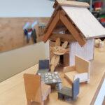 selbstgebautes Holzhaus